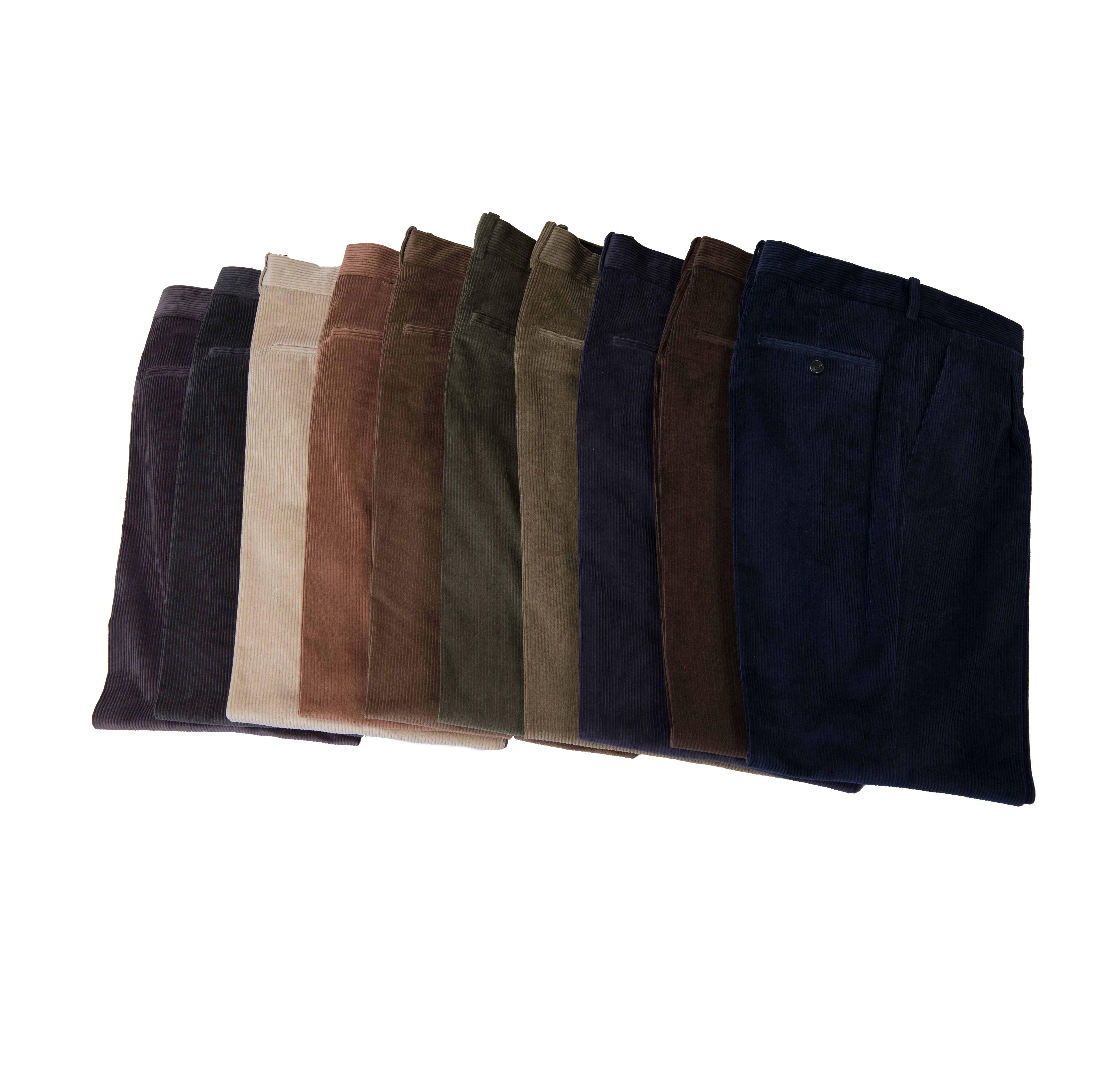 e20453f7d9 Pantalón de pana modelo hombre - Pantalones Blaper